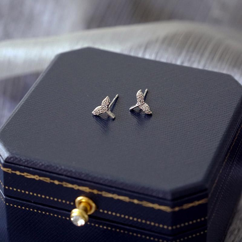 賽倫之音 – 鋯石魚尾 – 銀 – 耳環